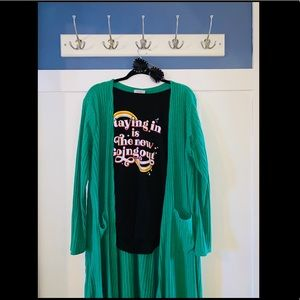 Stretchy long green cardigan with pockets
